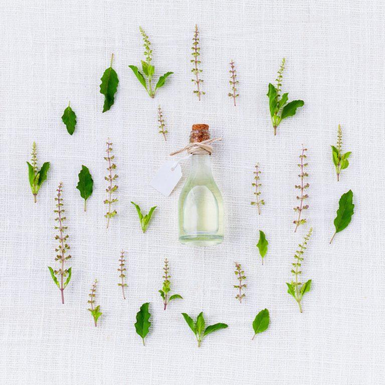 huiles essentielles aromathérapie traitement naturel mycose vaginale