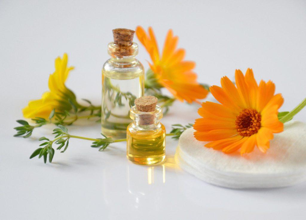 huiles essentielles remède naturel mycoses vaginales